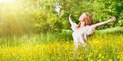 Photo small siga o perfume das flores e viaje nesta primavera zarpo magazine 900x450